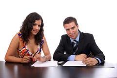 fonctionnement de couples d'affaires photos stock