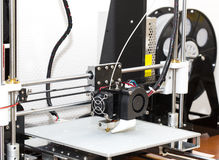 fonctionnement de mécanisme de l'imprimante 3d Photos libres de droits
