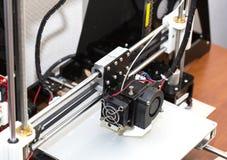 fonctionnement de mécanisme de l'imprimante 3d Images libres de droits