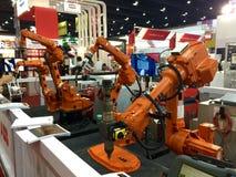 Fonctionnement de robot Photos stock
