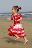 Fonctionnement heureux d'enfant photos stock