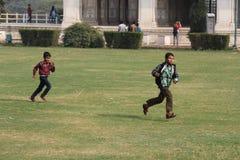 Fonctionnement indien heureux d'enfants Images libres de droits