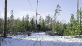 Fonctionnement professionnel suédois caucasien masculin de boxeur extérieur en nature clips vidéos