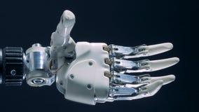 Fonctionnement prosthétique blanc de main, production automatisée clips vidéos
