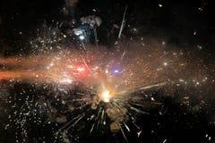 Fond étonnant d'espace lointain - fermez-vous vers le haut des feux d'artifice Photo stock