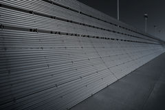 Fond aérospatial d'affaires de barrière en acier bleue de souffle de moteur à réaction d'avions avec ses tons d'obscurité et pers Photographie stock libre de droits