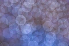 Fond abstrait avec beaucoup de ronds bleus de bokeh photo stock