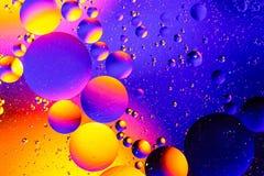 Fond abstrait cosmique d'univers de l'espace ou de planètes Sctructure abstrait d'atome de molécule Bulles de l'eau Macro tir d'a Photos stock