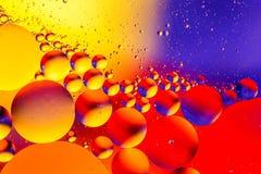 Fond abstrait cosmique d'univers de l'espace ou de planètes Sctructure abstrait d'atome de molécule Bulles de l'eau Macro tir d'a Photo stock