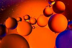 Fond abstrait cosmique d'univers de l'espace ou de planètes Sctructure abstrait d'atome de molécule Bulles de l'eau Macro tir d'a Image stock