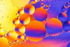 Fond abstrait cosmique d'univers de l'espace ou de planètes Sctructure abstrait d'atome de molécule Bulles de l'eau Macro tir d'a photographie stock libre de droits