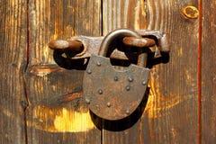Fond abstrait d'une porte en bois Photos libres de droits