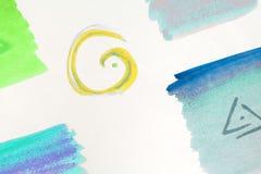 Fond abstrait de couleur, fait en intersecter les chiffres géométriques, sur le fond blanc Photos libres de droits