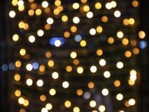 Fond abstrait de defocused sur des lumières avec l'effet de bokeh Fond brouillé, espace de copie pour éditer et texte photos stock