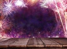 Fond abstrait de feu d'artifice avec les planches en bois Photo libre de droits