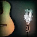 Fond abstrait de musique avec le rétro microphone Images stock
