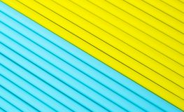Fond abstrait des tubes colorés de cocktail Image stock
