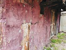 Fond artistique de village de vieille de maison perspective en bois sale de mur Photographie stock libre de droits