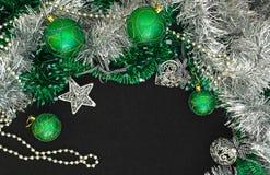 Fond avec des billes de Noël Photographie stock libre de droits