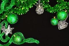 Fond avec des billes de Noël Image stock