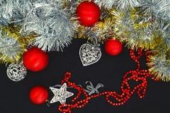 Fond avec des billes de Noël Photo libre de droits