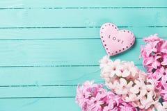 Fond avec des jacinthes de fleurs fraîches Image stock