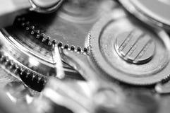 Fond avec des roues dentées en métal des rouages Macro Photographie stock libre de droits