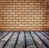 Fond avec le mur de briques Images libres de droits