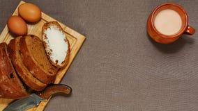 Fond avec le petit déjeuner ou le déjeuner organique dénommé rural image libre de droits