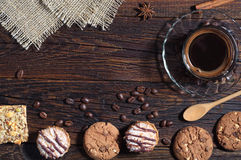 Fond avec les biscuits et le café Photographie stock