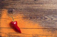 Fond avec les poivrons d'un rouge ardent Photo stock