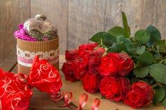 Fond avec les roses rouges Photos libres de droits