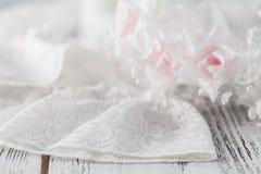 Fond beige de mariage avec des roses Images libres de droits
