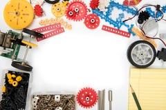 Fond blanc réglé de kit de la science de TIGE ou de DIY photos stock