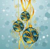 Fond bleu abstrait avec des billes de Noël Photos libres de droits