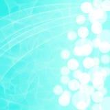 Fond bleu avec le bokeh blanc d'un côté Photo libre de droits