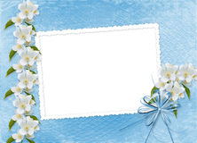 Fond bleu avec le branchement de Sakura illustration libre de droits