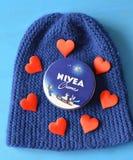Fond bleu crème de Nivea Image libre de droits