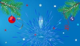 Fond bleu de Noël avec des verres Images stock