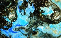 Fond bleu noir de marbre abstrait de scintillement de peinture et d'or de couleur Photos libres de droits