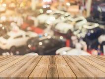 Fond brouillé par table vide de conseil en bois Perspective W brun Images libres de droits
