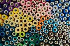 Fond coloré de fils de couture Images libres de droits