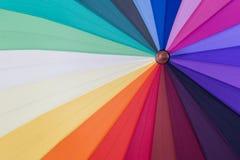 Fond coloré de parapluie d'arc-en-ciel Images libres de droits