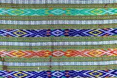 Fond coloré de tissu de tissu de batik Images stock