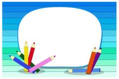 Fond d'école avec du bois, les crayons et l'endroit pour le texte Images stock