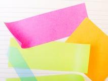 Fond d'école avec les notes collantes colorées Image stock