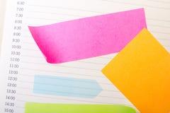 Fond d'école avec les notes collantes colorées Image libre de droits