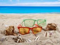 Fond d'été avec des accesoriess de plage Photographie stock