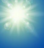Fond d'été avec un soleil Photos stock