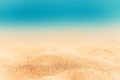 Fond d'été - Sunny Beach avec le sable d'or Images stock